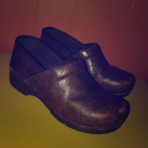 Dansko Tooled Brown Leather Professional Clogs